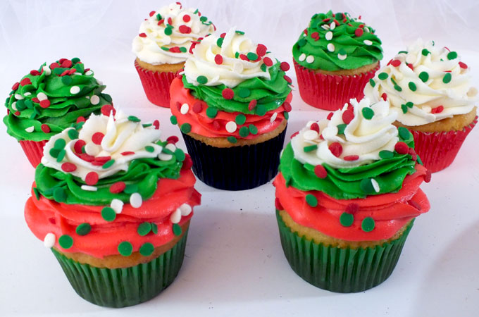 christmas swirl cupcakes a beautiful christmas cupcake for your