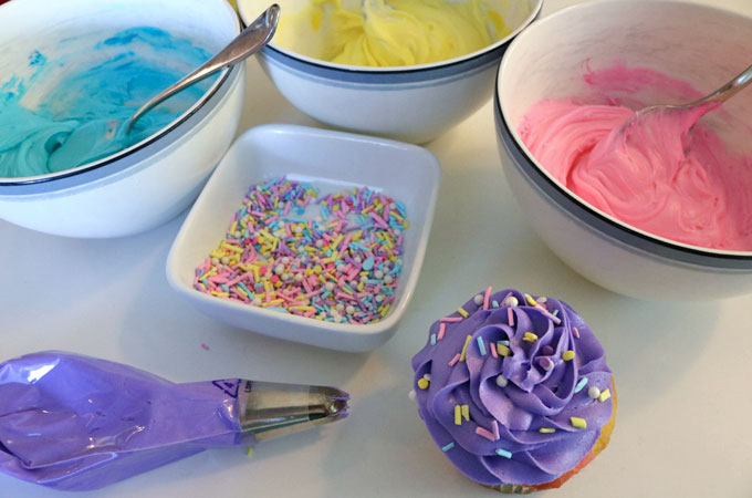 Frosting the Celebration Marble Cupcakes