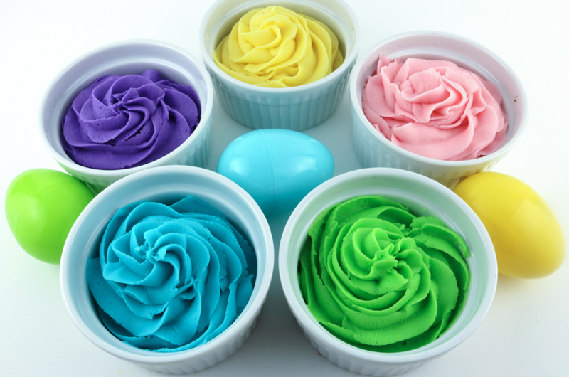 How to Make Easter Frosting - Two Sisters