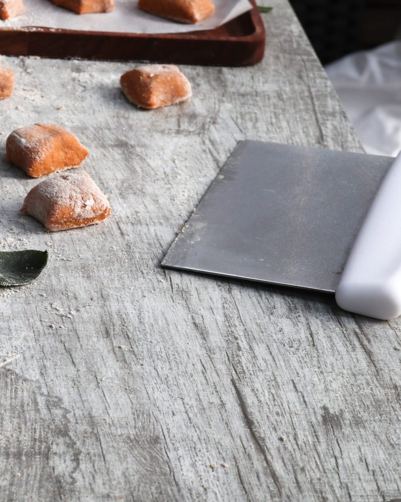 Cutting sweet potato gnocchis