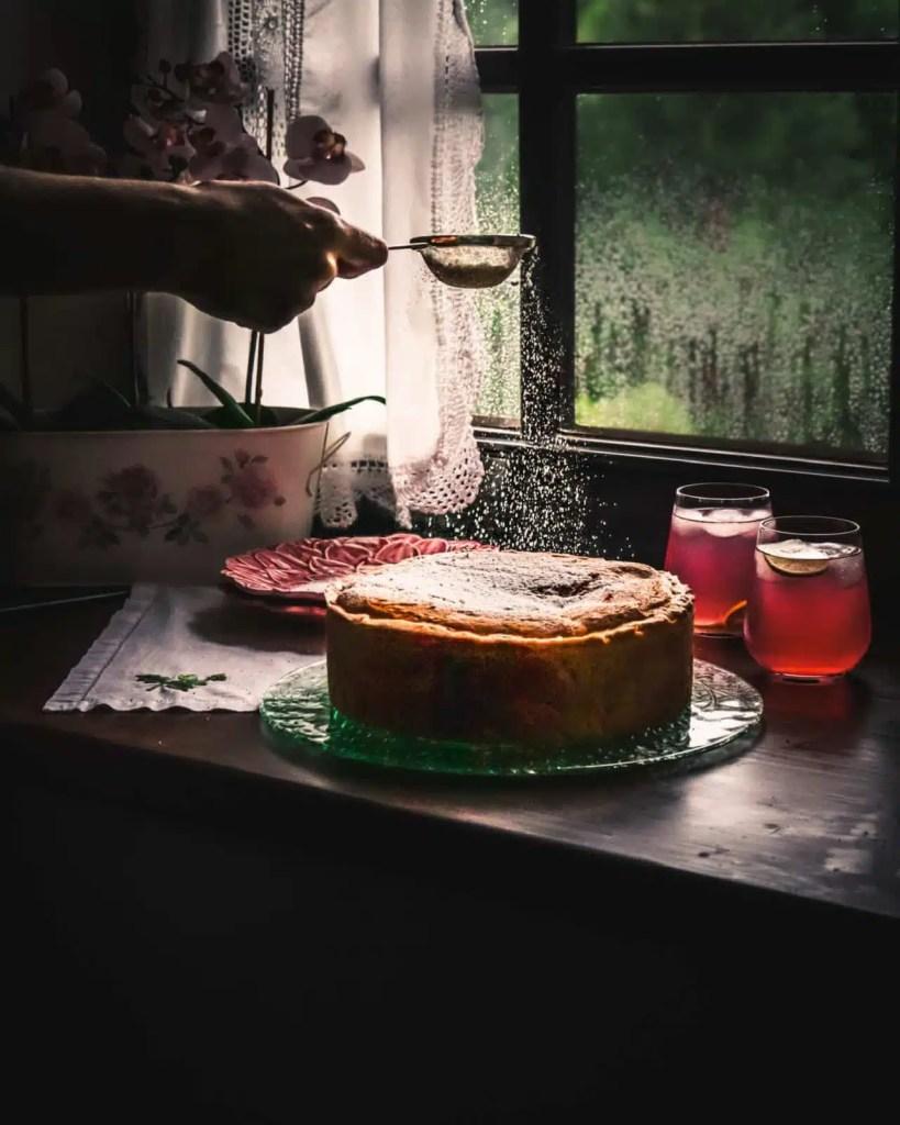 apple pie cake dusted with sugar Apple cake recipe, best apple pie recipe, apfelkuchen rezept, easy apple cake recipe, fall recipe , easy cake recipe