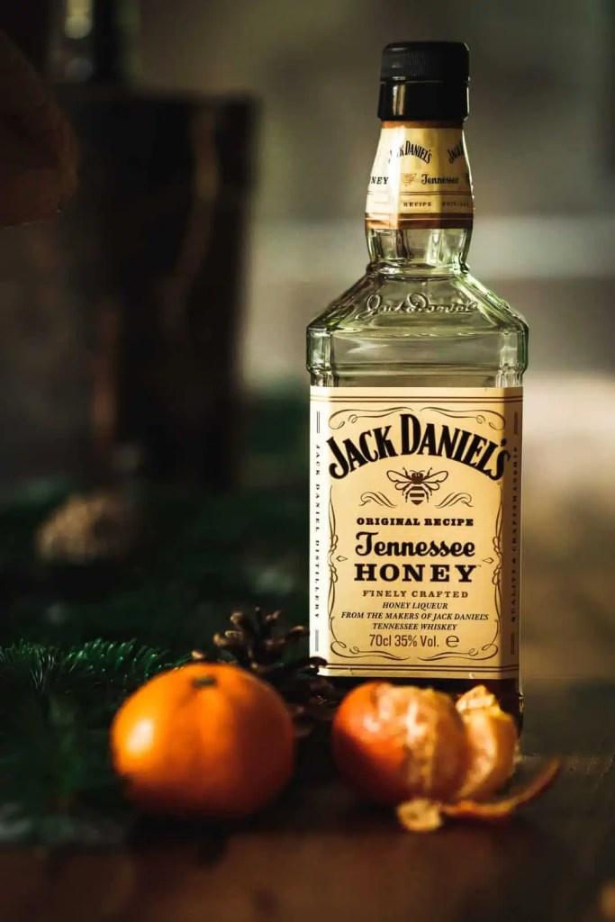 Jack Daniels Honey, simple whiskey drink, drink recipe, Christmas, thanksgiving