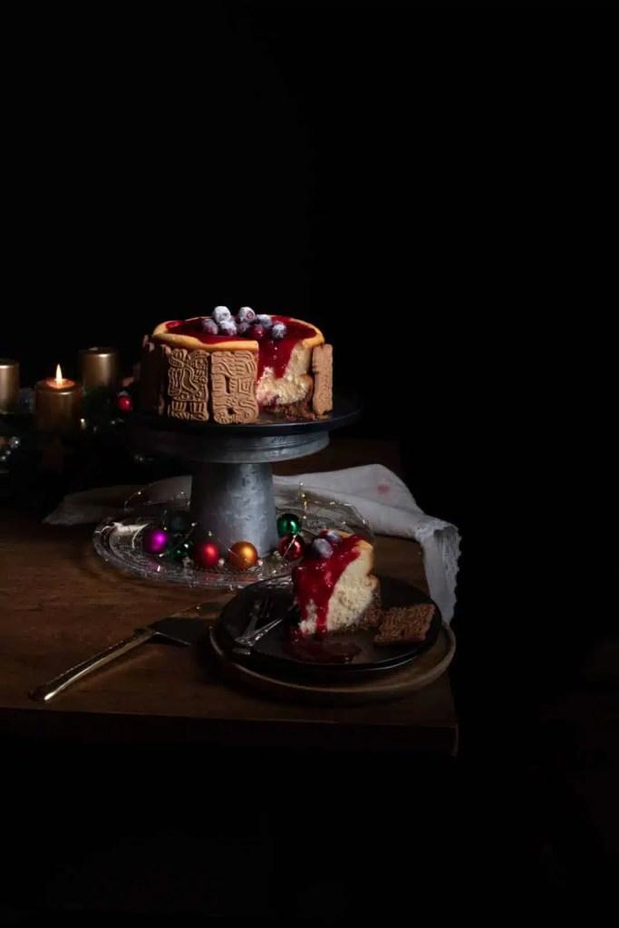 white chocolate cheesecake, cheesecake recipes, cranberry cheesecake, speculoos cookies, Spekulatius kekse , festive recipes, festive desserts, christmas desserts, holiday recipes, cake recipes, cheesecake recipes, dessert ideas