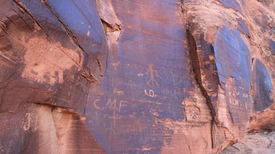Near the Mastodon Panel - Moab - Utah