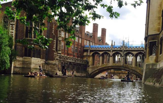 "The ""Bridge of Sighs"" in Cambridge - ""Punting in Cambridge, England – And I am not Talking about Football"" - Two Traveling Texans"