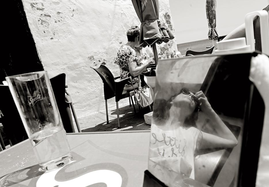 Reflejo y vaso de Sprite. Arrieta.