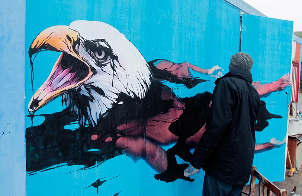 Pintando la mujer pájaro