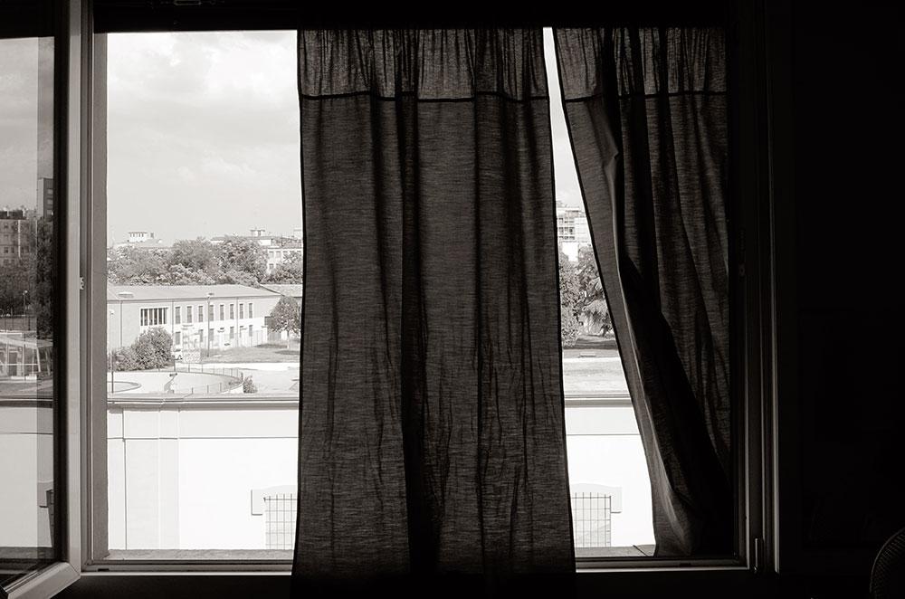 La vista desde la ventana de nuestra casa. Eso antes era un lugar atestado de drogadictos y ahora es un parque lleno de niños de muchas razas.