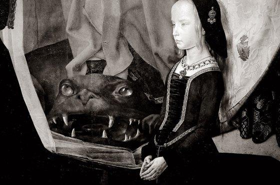 Si no me equivoco es un fragmento de un cuadro de Hugo Van der Goes.