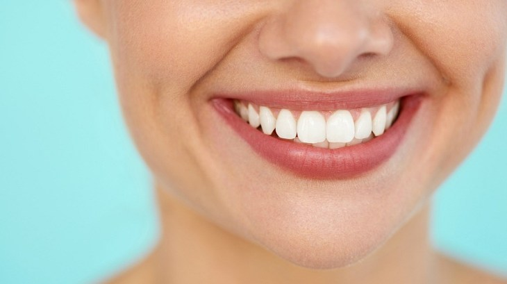 Woman with a great smile | Surprising Benefits of Baking Soda