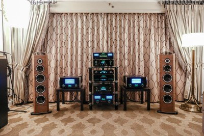 McIntosh Labs and Sonus Faber speakers Venetian Suite CES 2016