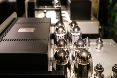 Audio Research Tube Amplifier Venetian suite CES 2016