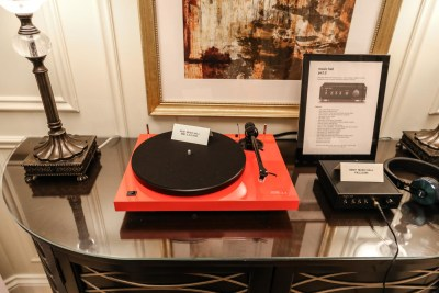 Turntables at CES 2016