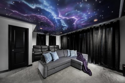 The Sky Lounge StarLight Theatre.
