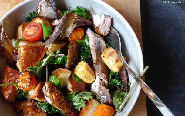 Holly-cooks-hot-mackerel-and-roast-potato-salad-recipe-finished800web