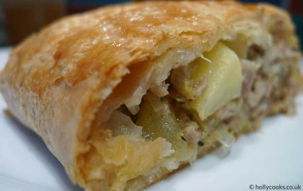 Holly-cooks-pork-leek-and-apple-sausage-roll