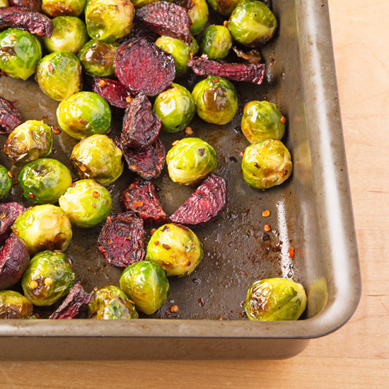 holly-cooks-roasted-brussel-sprouts-with-beetroot-chilli-and-honey-in-tray-550