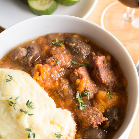 Holly-Cooks-slow-cooker-beef-stew-with-sweet-potato-and-thyme-550