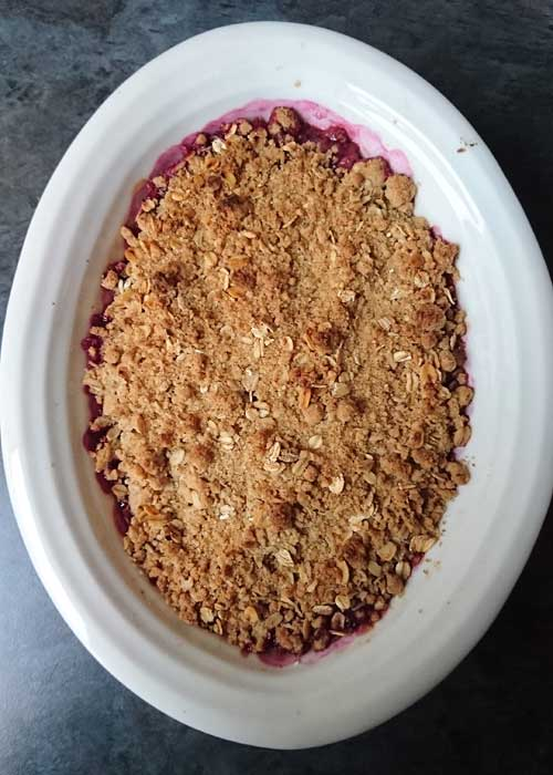 Pear and summer fruits crumble