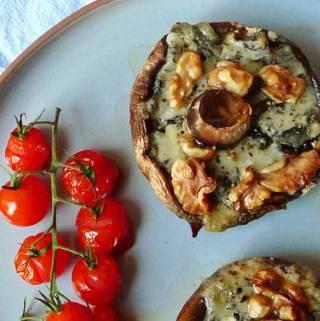 Portobello mushrooms with gorgonzola and walnuts