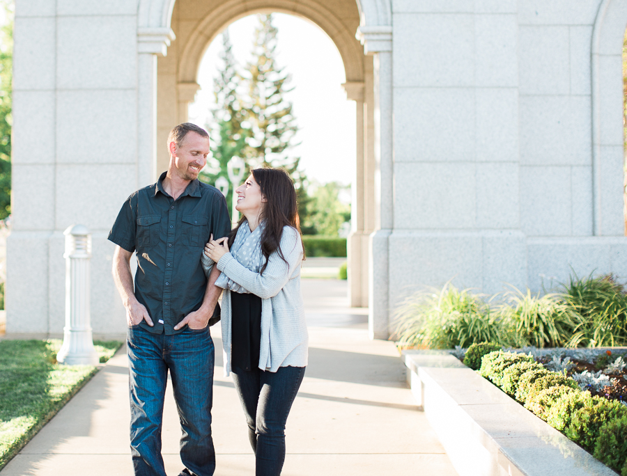 Sacramento_Temple_Engagement_Pictures-16