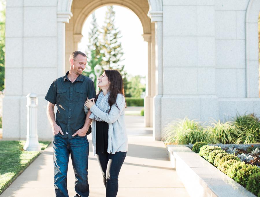 Sacramento_Temple_Engagement_Pictures-16