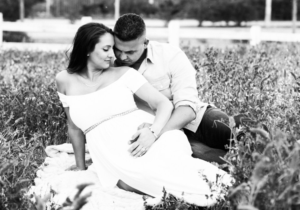 Ashley_Ronnie_Maternity_Pictures_Alviso_Adobe_Park-23