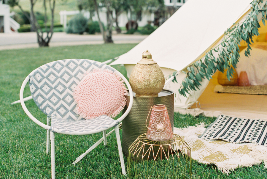 wedding planning tips: unique decor for a great guest experience