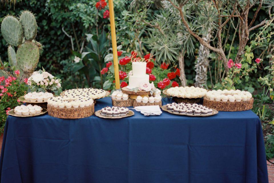 cake and desserts at a wedding reception at Jardines de San Juan