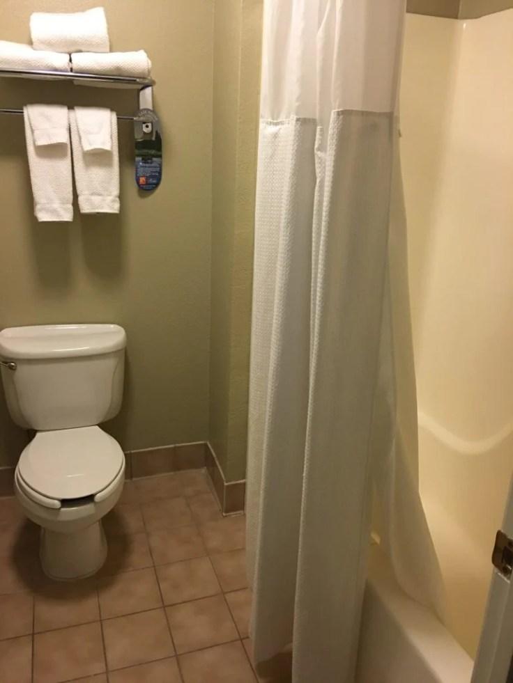 Staybridge Suites Cherry Creek bathroom