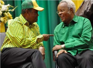 CCM Secretary General, Abdulrahman Kinana, with Edward Lowassa at the party's National Convention in Dodoma, prior to Lowassa switching to CHADEMA.