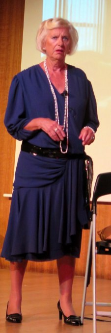 05-Lorne in blue
