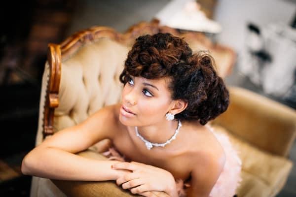 تسريحات الشعر الخشن للعرائس