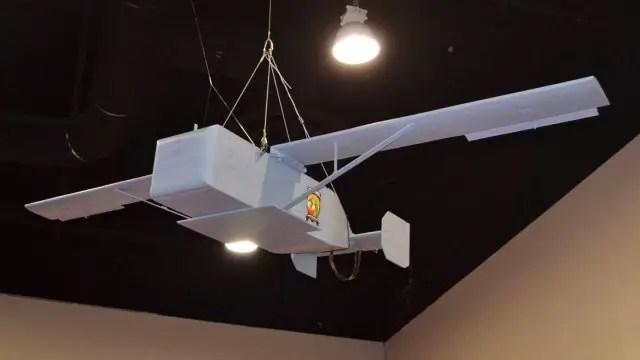 Box glider hanging