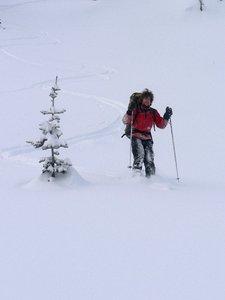 Good skiing off the col between the Nordheim peaks