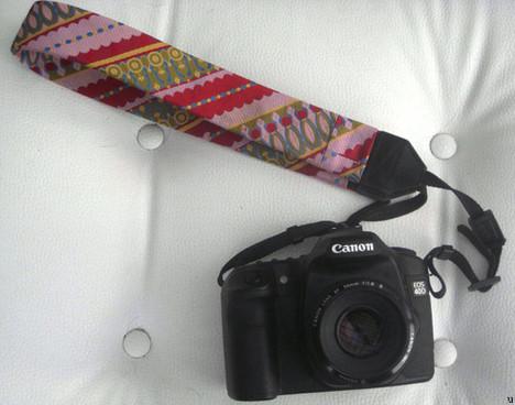 Camera strap enters fashion world