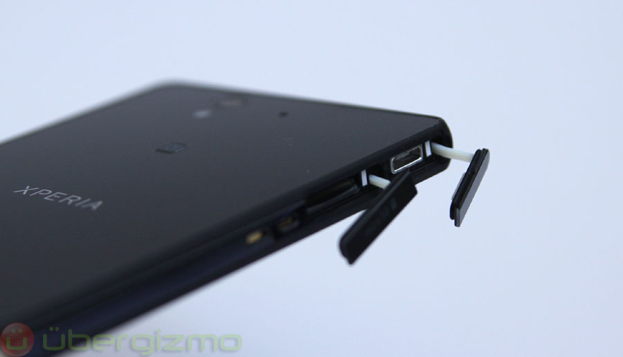 T-Mobile Sony XPERIA Z Review   Ubergizmo