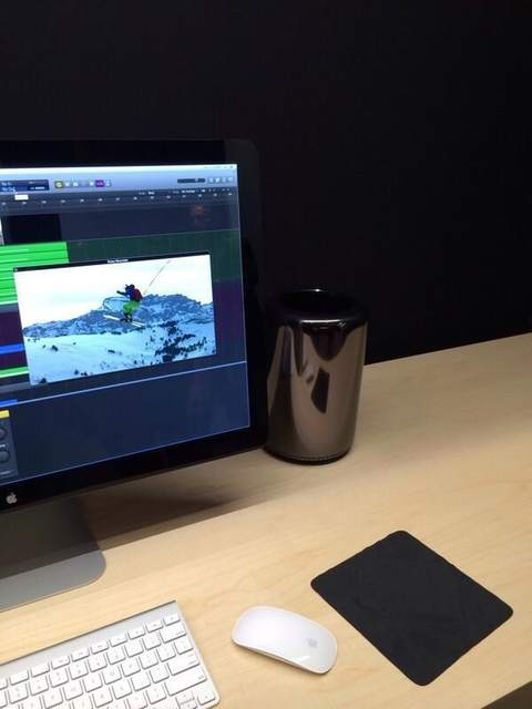New Mac Pros Spotted At Apple Store In The UK | Ubergizmo