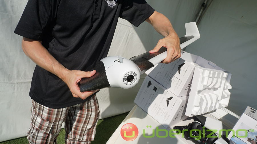 Parrot Disco Fixed-wing Drone Review: Hands-on | Ubergizmo