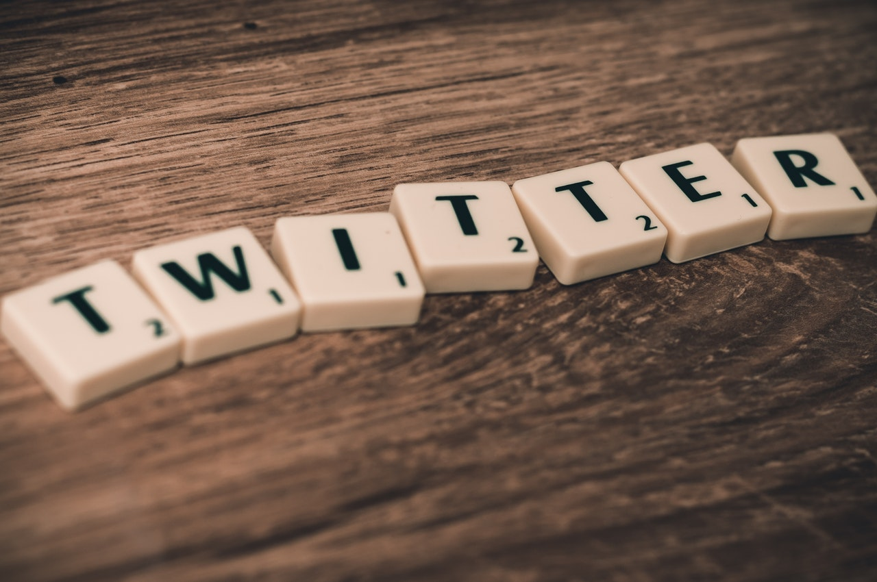 How To Save Twitter Videos | Ubergizmo