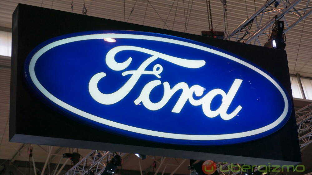 Fords Shows Electric F-150 Pickup Truck Pulling A Million Pound Train