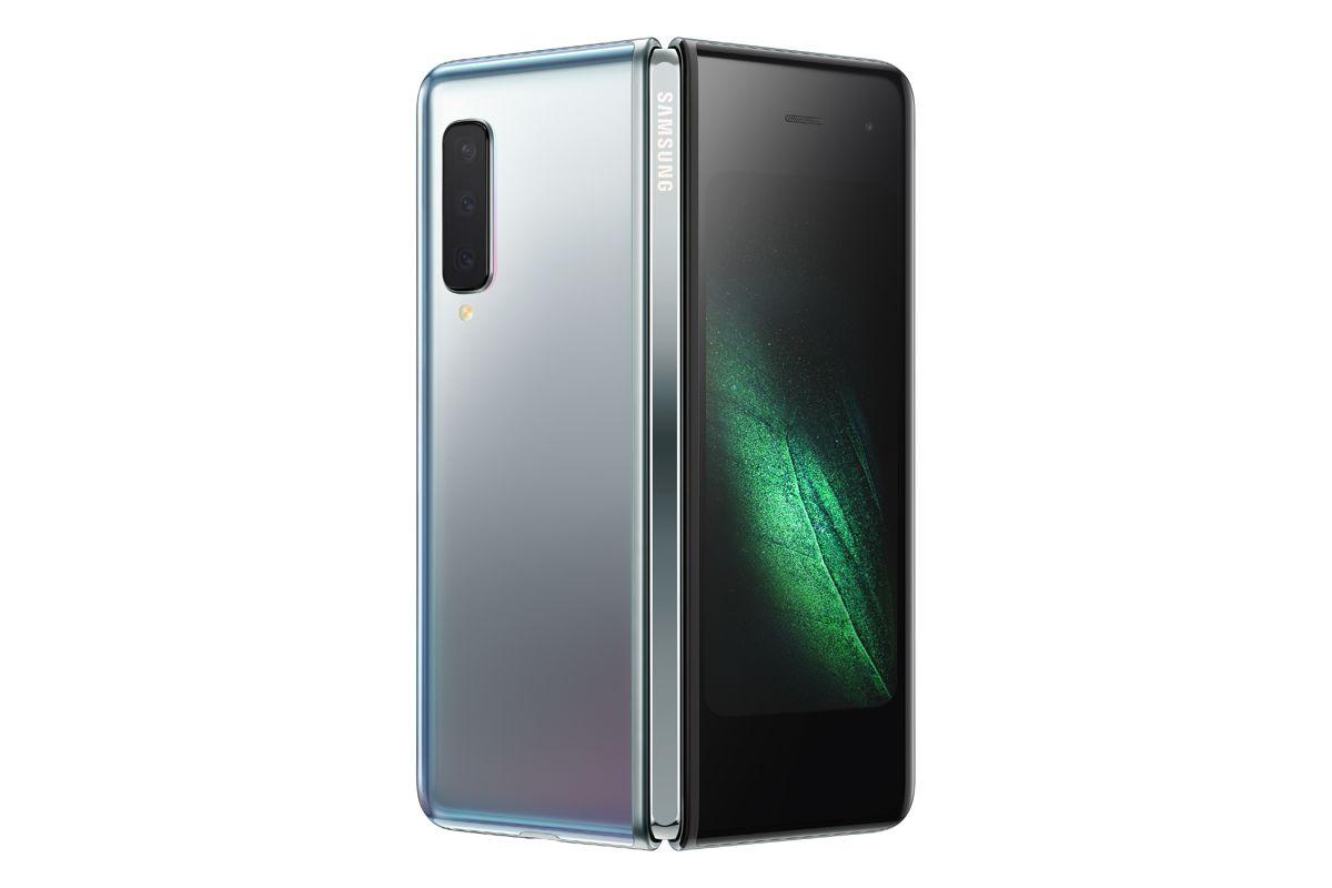 Resmi, Samsung Luncurkan Ponsel Lipat Galaxy Fold, Harganya Rp27 Jutaan