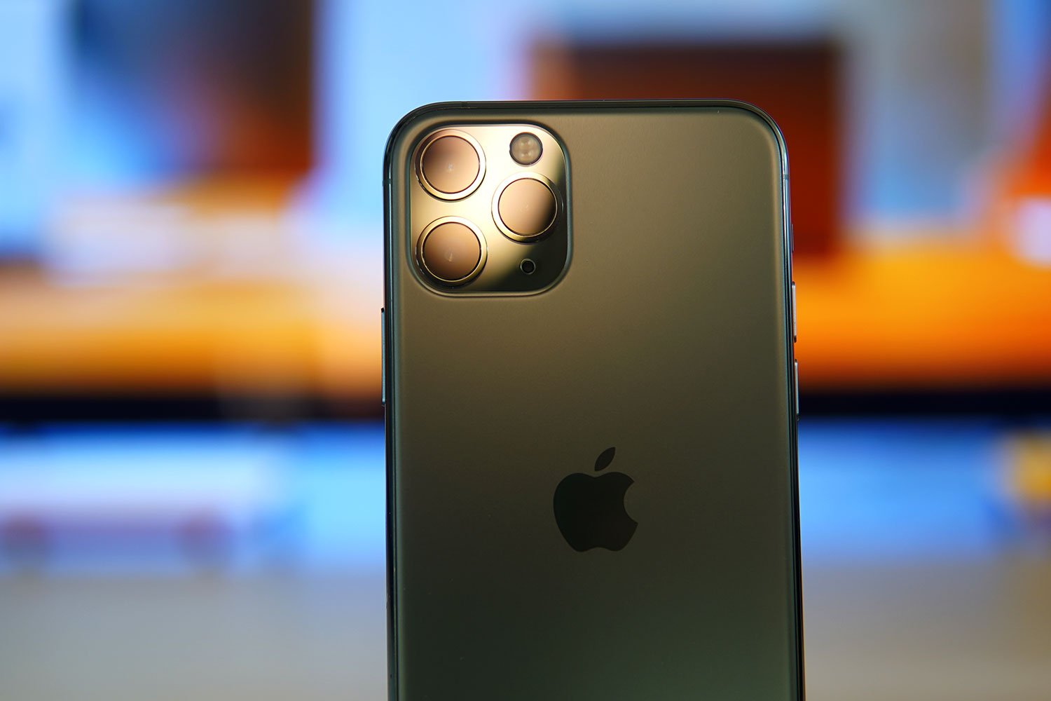 Some iPhone 11 Devices Are Displaying A Weird Green Tint On Their Displays