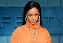 Photo of Rihanna Refutes Father's Coronavirus Claims