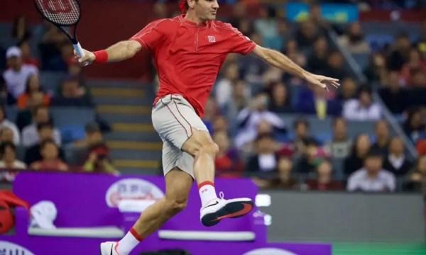 Federer batte Zverev in Cina nell
