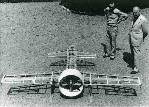 Modello di Drone costruito intorno agli Anni Quaranta alla SAI di Passignano sul Trasimeno - esposto alla Biennale dell Eresia