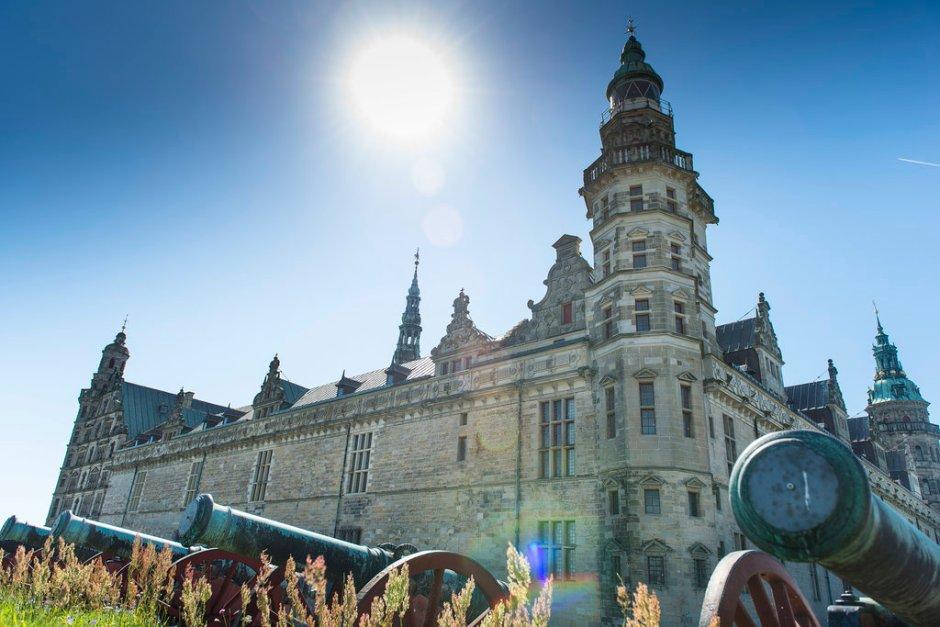 Kronborg Slot er UNESCO verdensarv og på samme tid en monumental fæstning og et majestætisk renæssanceslot.