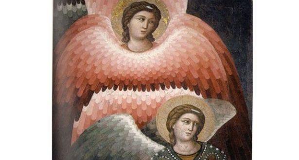 من وراء التكرّس للملائكة؟