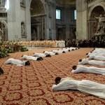 خلال رسامة عدد من الكهنة في الفاتيكان
