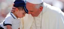 البابا يبعث رسالة الى طفل مريض رداً منه على رسالة تلقاها من جانبه